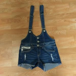 Almost Famous Women's 5 Jean Overall Shorts Lace